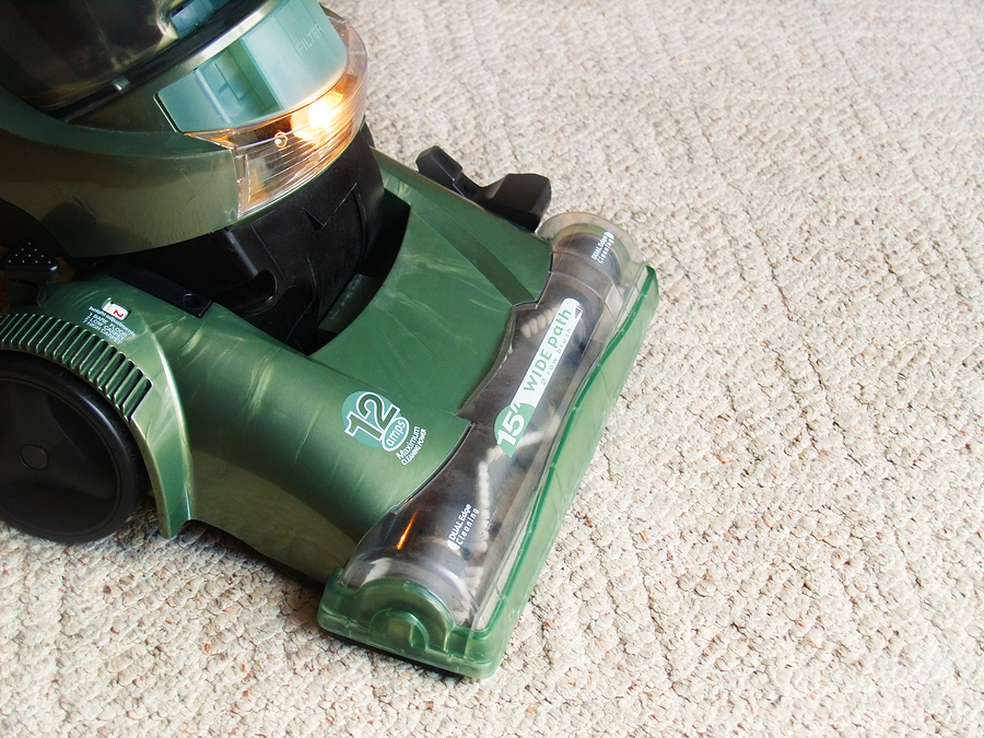 using carpet cleaning machine