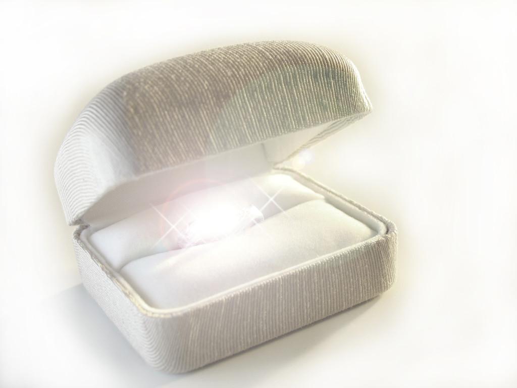 diamond-shine-file000587822596